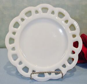 """Anchor Hocking Early Lace Edge White Milk Glass Plate 8 1/2"""""""