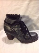 Mantaray Grey Ankle Leather Boots Size 5