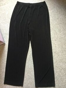 """Chico's Travelers Women's Brown Pull On Slinky Flat Front Pants 2 Short 27"""""""