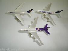 AIRBUS A380 2010 MODEL AIRPLANES SET - KINDER SURPRISE PLASTIC TOYS MINIATURES