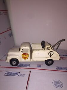 Vintage BUDDY L TOYS - Electric Emergency Tow / Wrecker Truck - White - 1960's