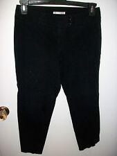 Dalia Collection Women's  Black Cropped Capris- Size 6