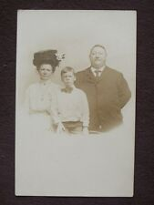 FATHER, MOTHER & SON, MOM WEARING LARGE HAT Vtg REAL PHOTO POSTCARD