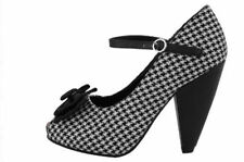 High (3 in. and Up) Party Flats for Women