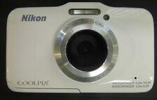 WHITE NIKON COOLPIX S31 WATERPROOF 5M WATERPROOF DIGITAL CAMERA 0618-98