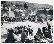 LA PAZ c. 1950 - Fête sur une Place Bolivie - GF 16