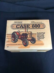 1957 Case 600 Tractor Ertl Die-Cast Metal Replica 1/16 Scale 1986 Box never open