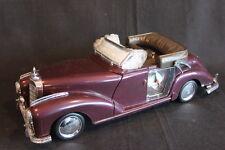 Mercedes-Benz 300 1:12 (?) Maroon, Alarm Clock (JS)