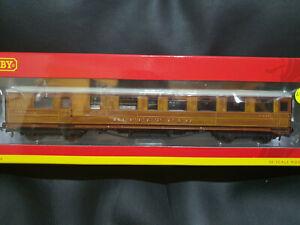 Hornby R4829 LNER 61 ft 6 inch Teak Corridor Buffet Coach 21611