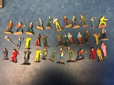 35 personnages, figures, spectators, mecanics, 1/32 Scalextric well painted deco