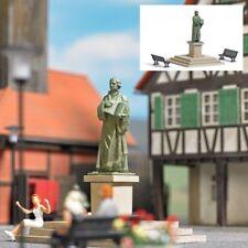 Busch 7730 - 1/87 / H0 Mini-Welt Lutherdenkmal Mit Sitzbänken - Neu