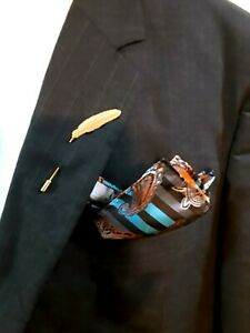 BASEHOME Men's Feather Lapel Stick Pin. Gold in Color.