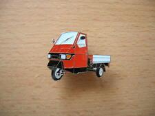 Pin Anstecker Vespa Piaggio Ape 50 rot  red Art. 1141 Dreirad Moto