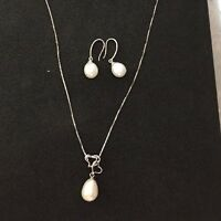 "18"" Freshwater Pearl Necklace & Earring Set 925 Sterling Silver"