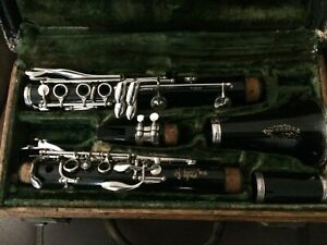 Vintage Boosey And Hawkes Clarinet with Case London Series 1-10 mint