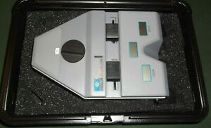ESSILOR DIGITAL CRP PUPILLOMETER WITH CASE OPHALMIC INSTRUMENTS