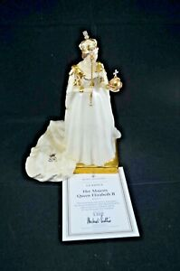 ROYAL DOULTON CLASSICS LTD. ED. FIGURINE - HER MAJESTY QUEEN ELIZABETH II HN4372