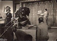 C082 Photo vintage originale Tournage film Les Nuits de Pigalle Joffré cinéma