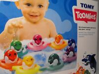 BABY BOY / GIRL TOY AGE 12 MONTHS PLUS MUSICAL DOLPHINS BATH PLAY SET Dolphin