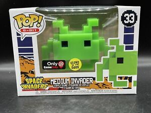 Funko Pop 8-Bit - Space Invaders - Medium Invader (Green,Glow) #33 Vaulted MINT