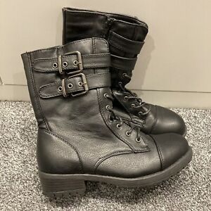 New Look Wide Fit Black Buckled Biker Boots 4/37