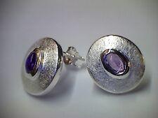 Ohrringe Stecker in Silber 925 mit Amethyst Capuchon Fassung eismatt
