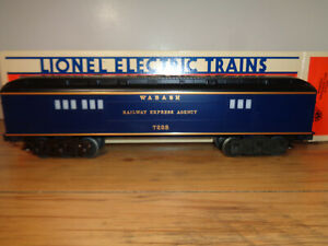 """LIONEL O GAUGE # 6-7228 WABASH """"FALLEN FLAGS SERIES"""" BAGGAGE CAR AND BOX"""