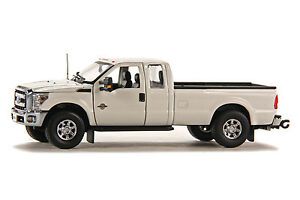 """Ford F250 Super Cab 8 Ft Bed - """"WHITE"""" - Chrome Wheels - 1/50 - Sword #SW1100WC"""