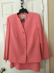 Womans LeSuit Pink Skirt Suit - Size 14W