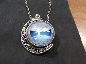 Doublesided Crescent Celtic Tree of Life Necklace (2 Photos Rotatable red blue