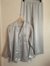 Men's Silver Grey Satin Pyjama Size XXL In Uk L Brand New.