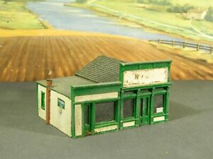 HO 1:87 BUILT Model Building SMALL STOREFRONT BUILDING with ANNEX Tan/Green