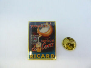 Pin's Pins Pin Badge - RICARD / TOUJOURS L'APERITIF A L'EAU / ALCOHOLIC DRINK