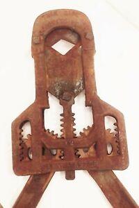 Vtg antique cast iron farm master bull horn cutter clipper dehorning farm tool