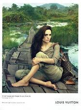 Publicité Advertising 018  2011  Louis Vuitton bagages Angelina Jolie Cambodge
