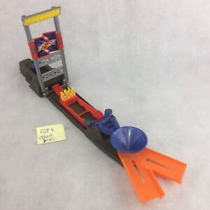 Hot Wheels Trick Track Flip and Crash Duel Launch Part N4727 Colossal Stunt n99