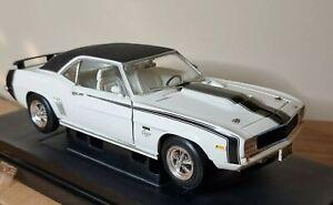 1969 Chevy Camaro Baldwin Motion White  ERTL American Muscle 1:18 Scale Diecast