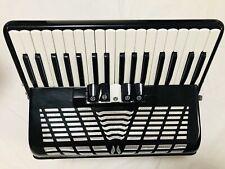Akkordeon gebraucht 72 Bass, 34 Diskanttasten, schwarz mit Koffer