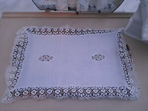 Vintage Tray cloth / Table Topper