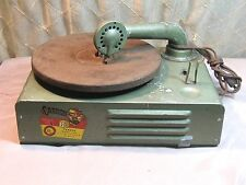Vintage 1950's Carron Model 1000 Phonograph Record Player.