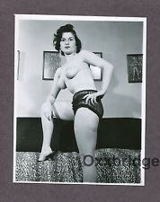 Super Puffy Breasts Nipples Boobs Sexy Tart 1950 ORIGINAL NUDE PINUP PHOTO B2801