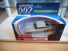 Corgi 007 James Bond aston Martin DB5 Thunderball in Grey in Box