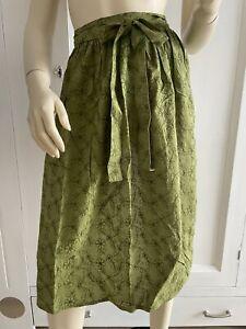 Dirndl Schürze Grün Bestickt Uni Länge 70 cm  Tracht