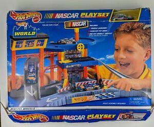 Hot Wheels World NASCAR Playset Mattel 1999 [Vintage, Brand New, Open Box]