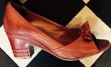 Retro años 40 Cuero Peep Toe Tacones, por Bronx-hecho en Brasil, tamaño 4