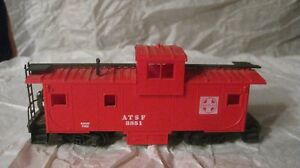ATSF #3851 Safety First Santa Fe Caboose In A Red HO Train Bachmann         tr58