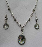 VICTORIAN STYL CLEAR ACRYLIC CRYSTAL SILVER PLATED ROSE NECKLACE EARRINGS SET RS