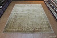 Light Color Background Fine Quality 6' X8' Rug with Soft Color muted Beige Color