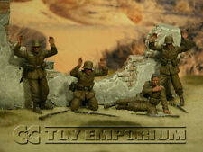 "Custom  Built  &  Weathered 1:35 WWII  German  DAK  ""Surrender"" Soldier Set  (4)"