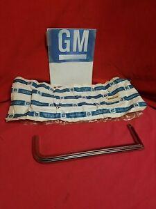 GM  15593227 HEADLAMP MOLDINGS NOS CHEVY GMC 10 20 30 1983 - 1987